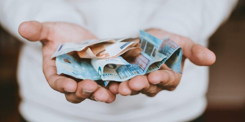 Crowdfunding - Christian Dubovan - Unsplash - Volledig